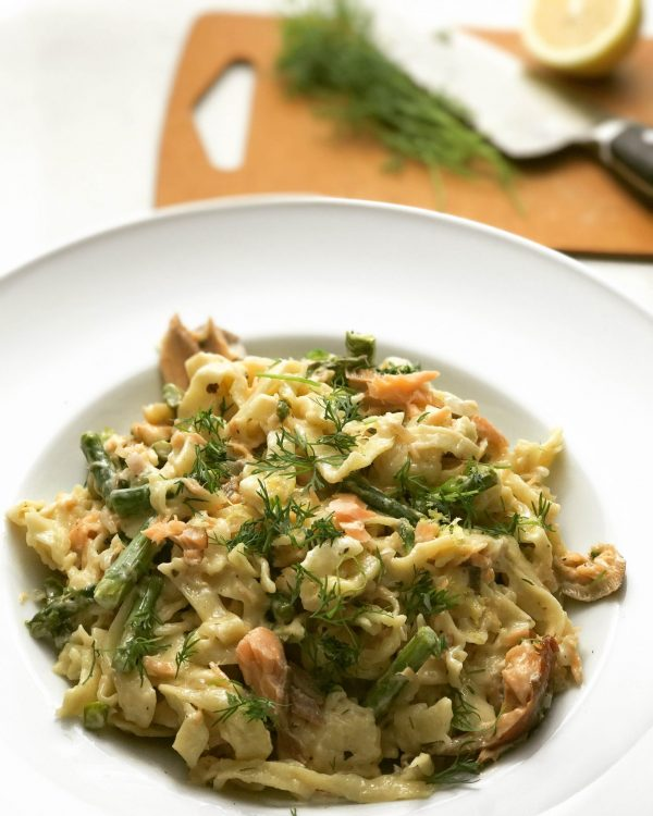 Fresh Fettuccine with Asparagus, Dill, and Smoked Salmon | www.alldayieat.com