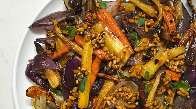 Roasted Carrots, Onion, and Fennel with a Spiced Sherry Vinaigrette | www.alldayieat.com