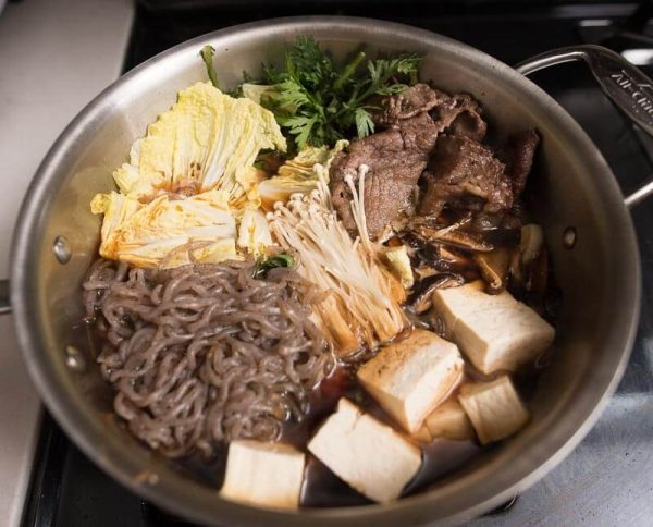 How to Make Sukiyaki with Beef (Japanese Hot Pot) stove